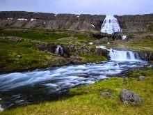 Vodopád Fjallfoss na Západných fjordoch