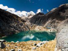 Jazero Culinoca, v pozadi vrchol Santa Cruz